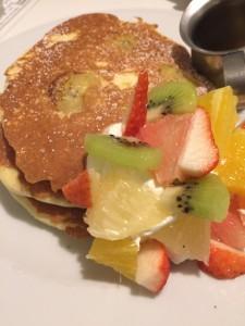 フルーツパンケーキが美味しい!卸団地のハーベスト